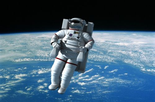 Tak-ada-gravitasi-di-luar-angkasa